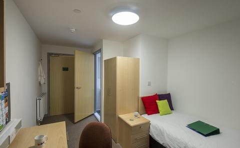 An example of an en suite category 1 room