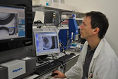 Dr Ivo Tews at Rigaku Imager for Crystallisation Plates