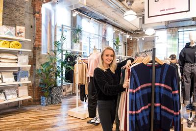 Lauren Sampson, Placement with Urban Outfitters