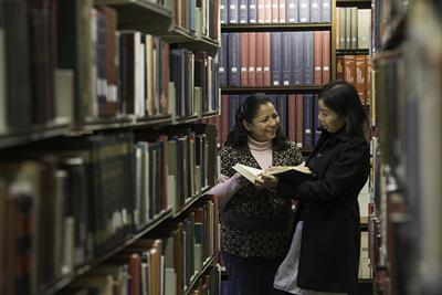 International students using the Hartley Library