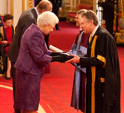 HRH The Queen awards the prize
