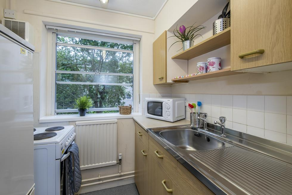 Bencraft has a number of studio flats with self contained kitchens