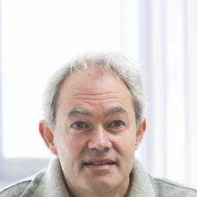 Thumbnail photo of Professor Simon Keay